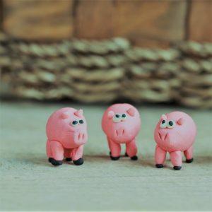 """הדרך לארץ הא""""ס - שלושת החזירים"""