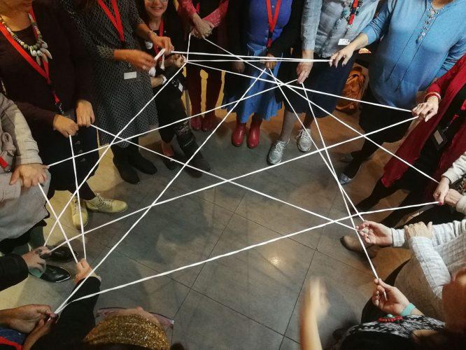 כלכלת החיבורים עבודת צוות ושיתופי פעולה